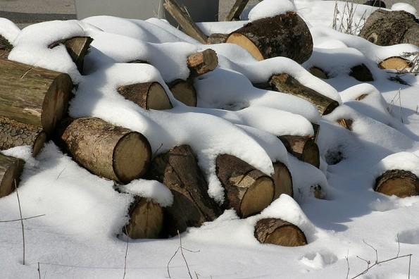 Feuerholz im Winter